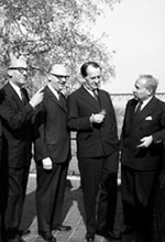 Image - Photo d'une rencontre avec l'écrivain André Malraux