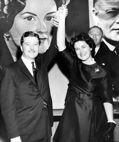 Claire Kirkland-Casgrain, accompanied by Paul Gérin-Lajoie, during her victory in the by-election
