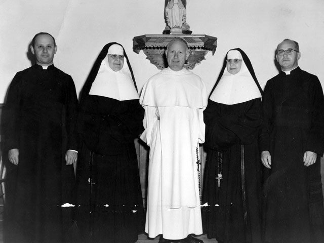 Father Maurice Lévesque, Mother Sainte-Jeanne de Chantal, Reverend father Georges-Henri Lévesque et Father Ernest Lévesque